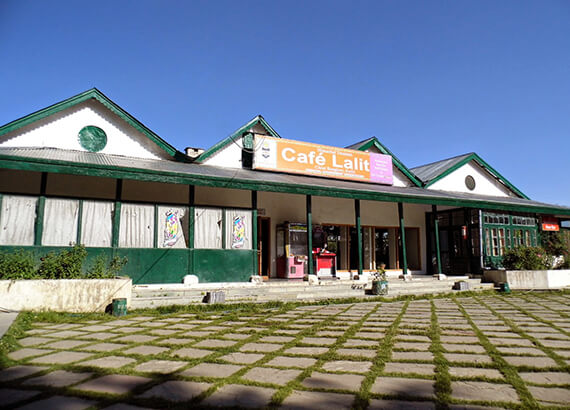 cafe-lalit-cheeni-bungalow-kufri-shimla