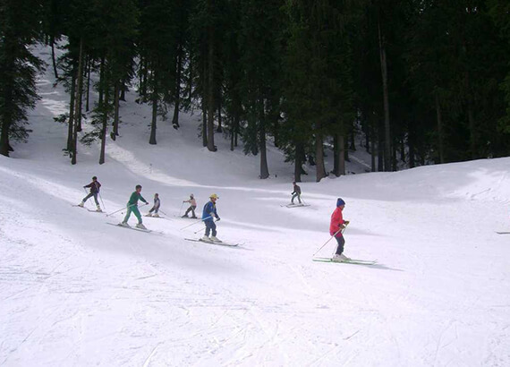 skiing-in-narkanda